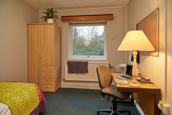 Beechcroft Bedroom - Bedroom at Norwich University of the Arts bedroom at Beechcroft
