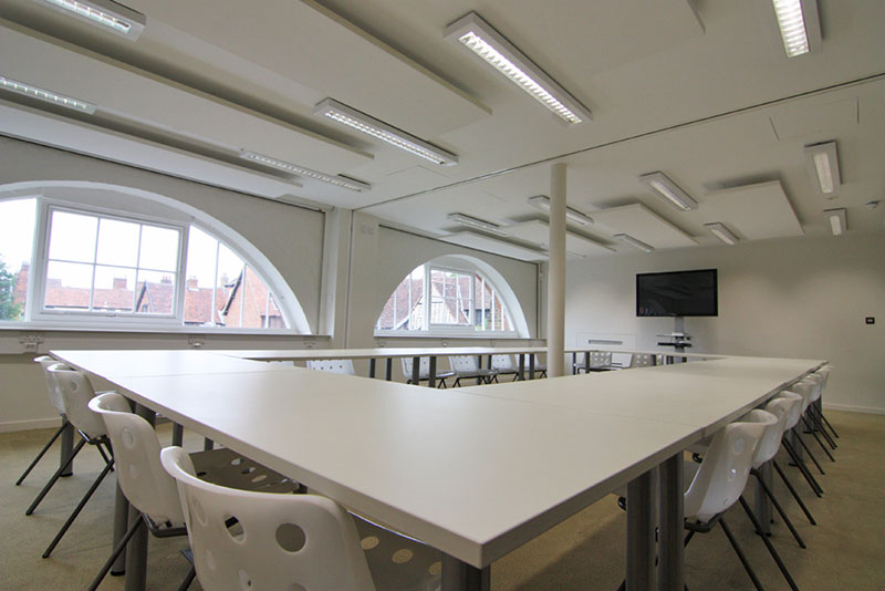 Duke Street Seminar Room with tables and chairs