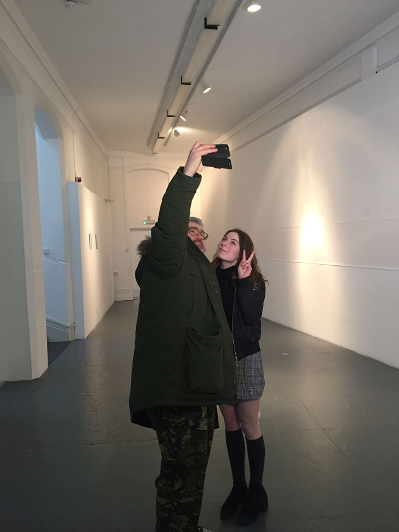 Phill Jupitus takes selfie with Bethany Freer, BA Fine Art student at NUA